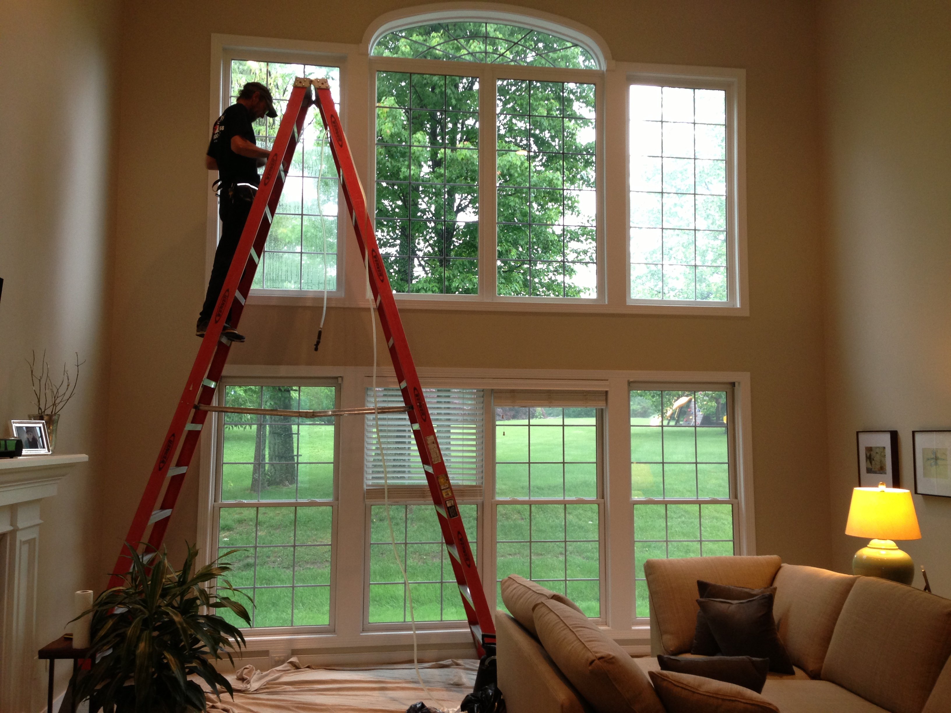 Window tinting for energy efficiency